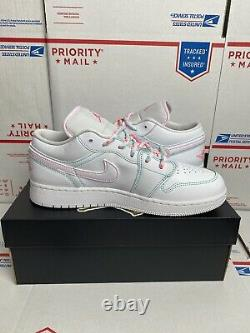 Air Jordan 1 Retro Low GS Size 5.5Y (Womens 7) White Green Teal Pink 554723 101