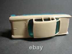 Matchbox LESNEY # 22 VAUXHALL CRESTA in PINK /SEA GREEN sides (VERY RARE)