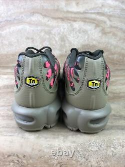 Nike Air Max Plus Tn Mens Shoes Digi Camo Neutral Olive Green Pink Sneakers