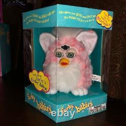 1999 Furby Bébé Rose Coral Furby Avec Les Yeux Verts Nib