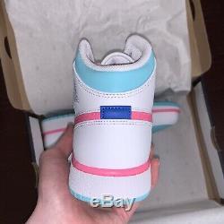 Air Jordan 1 MID Blanc / Numérique Rose / Vert Aurora 555112-102 Nouveau Youth Dimensionnement
