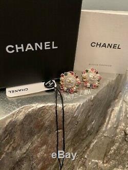Boucles D'oreilles Chanel Perle 19s CC Goujons Multicolor Rose Vert D'or 2019 Ab1320 Y47591