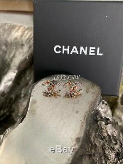 Chanel Multicolor Boucles D'oreilles En Cristal Arc-en-19s CC Stud Rose Vert Bleu Or Bnwt