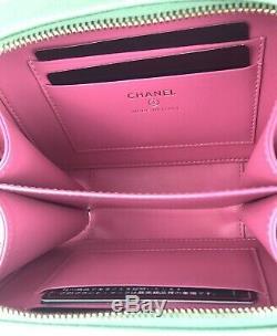 Chanel Rose, Vert Et Bleu Caviar Mini Filigrane Vanity Case Sac À Bandoulière