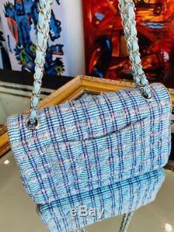 Classique Moyen Chanel Matelassée Sac À Rabat En Tweed Bleu, Blanc, Rose, Vert