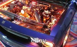Le Kit D'éclairage 10 Comprend Un Kit D'éclairage De Compartiment Moteur Ou Sous-baie Led Multicolore Rvb Avec Télécommande