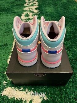 Nike Air Jordan 1 MID White Pink Soar Green Size 5.5y 555112-102 Flambant Neuf