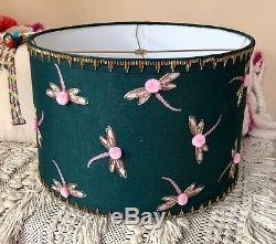 Nouveau Lampe Sarcelle Anthropologie Abat-jour Rose Vert Libellule Perles Pom Pom 12 Grand