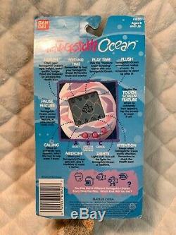 Rare 1997 Bandai Tamagotchi Ocean- Sea Foam Green Avec Poisson Rose Nouveauté